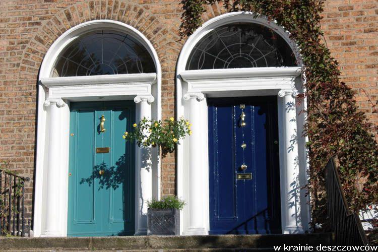 Kolorowe drzwi zewnętrzne