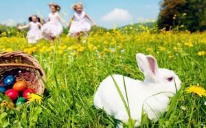 Kids-Hunting-for-Easter-Eggs