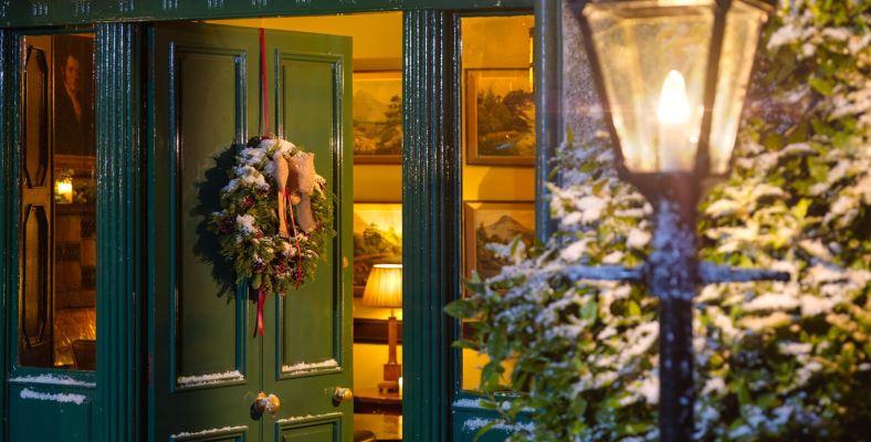 Christmas Door 1 1600px
