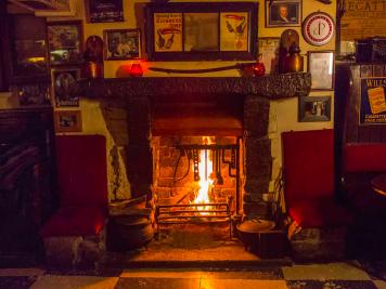 sean's bar (3)